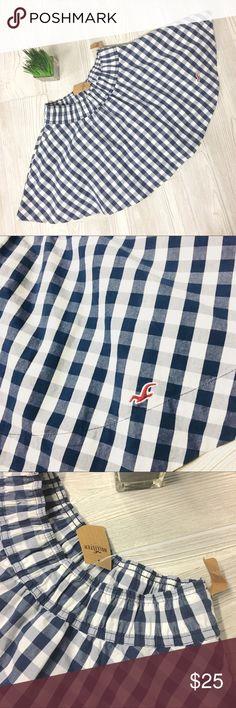 NWT Hollister Skater Skirt Navy & White Plaid S Cute Skirt For Spring/Summer Navy & White Plaid NWT.  White petticoat style lining under.  SUPER CUTE! 😍 Hollister Skirts Circle & Skater