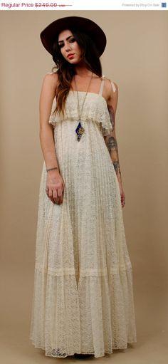 V-DAY SALE 70s Vtg Lace Cream Maxi Dress / Delicate Boho Flowing Empire Waist Pleated Gown/ Bridal Wedding / Folk Hippie / Gypsy / Sz Xs - S...