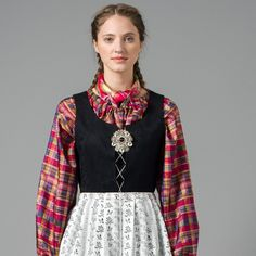Bilde av Nord-Norges festdrakt Folk Costume, Costumes, Color Shapes, Traditional Outfits, Bell Sleeve Top, Colours, Blouse, Norway, Instagram