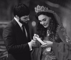 Movie Couples, Couples Images, Cute Couples, Turkish Women Beautiful, Turkish Beauty, Cute Love Pictures, Couple Pictures, Muslim Images, Bikini Tattoo