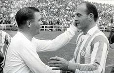 Di Stéfano admired Ferenc Puskás hugely, and it was with him that he formed the best strike force in Real Madrid's history, together with Kopa, Rial and Gento. The world marvelled at their attacking prowess and they gave the Whites many glorious evenings. Real Madrid History, Made In Heaven, Cristiano, Football, Hungary, Html, Conversation, Sport, Twitter