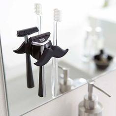 吸盤で洗面台やお風呂場の鏡にカンタン設置「トゥースブラシフック マスターシュ」のご紹介です。おひげの形が可愛いデザイン◎シリコン製なので柔らかく優しく歯ブラシをホールドしてくれます。吸盤のくっつく所ならどこでも設置可能なので、収納スペースが少ないご家庭にもオススメのアイテムです。ちょっとしたプレゼントにもピッタリなアイテムです。■SIZE 約W8.5×D3.3×H4.5cm #home#ひげ#ヒゲ#歯ブラシ#シェーバー#バス収納#洗面所#プレゼント#スタイリッシュ#シンプル#バレンタイン#暮らし#丁寧な暮らし#シンプルライフ#おうち#北欧雑貨#北欧インテリア#収納#シンプル#モダン#便利#おしゃれ #雑貨 #yamazaki #山崎実業