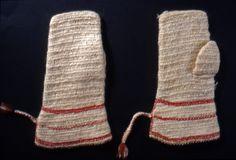 Nalbound mittens, Koivisto, Finland. Prior to 1910. Length 26 cm, width 10-15 cm.