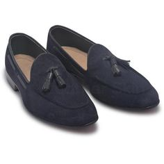 Navy Blue Suede Leather Slip-ons with Tassels Suede leather shoes stitched with perfection Blue tassels definitely amp up the look further Just the right combination of style and practicality Suede leather gives you a soft and supple feel Beige interior is surely great for a sober vibe You can wear them without socks. Leather Top Hat, Purple Leather Jacket, Suede Leather Shoes, Leather Skin, Cow Leather, Leather Slip Ons, Blue Loafers, Tassel Loafers