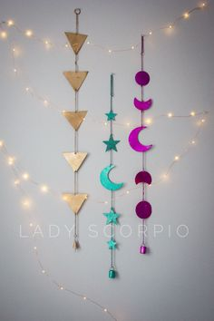 Moon Phases Wall Hanging Decor Bring the Moon's Magic into your Home Dedicated to the Moon Child who dreams more often than she sleeps The phases of the moon symbolize immortality and eternit Bohemian Tapestry, Bohemian Decor, Diy Room Decor, Bedroom Decor, Wall Decor, Diy Wall Art, Diy Art, Ramadan Crafts, Diy And Crafts