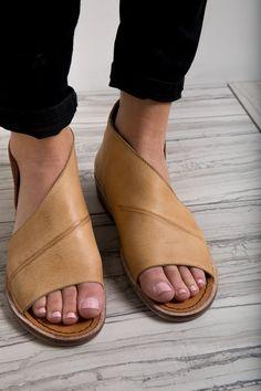 Nature Breeze Womens Feelin Fab Rhinestone Gladiator Sandal,Black,6