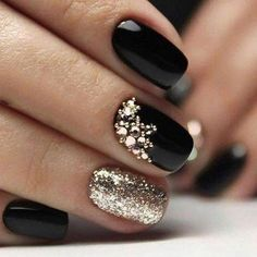 88 cool winter nail art design for women elegant in 2019 05 .- 88 cool winter nail art design for women elegant in 2019 05 elegant - Red And Gold Nails, Gold Nail Art, Blue Nail, Red Nails, Red Gold, Black Manicure, Sparkly Nails, Nail Black, Orange Nail