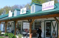 Hocking Hills Weekend Flea Market - Restaurants Antiques Amish in Hocking Hills Rockbridge and Logan Ohio