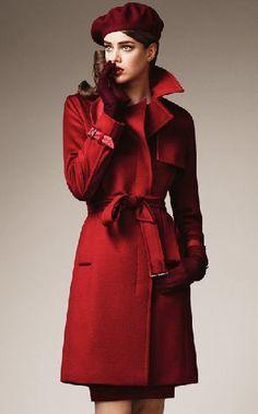 El color rojo siempre es sexy y denota la sensualidad de toda mujer la vestirlo, no puedes perderte la oportunidad de lucir fabulosa como este diseño de abrigo, quedara perfecto con un leggings para que contraste el diseño y la moda.