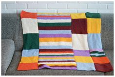 Vibelig Throw Pillows, Blanket, Knitting, Bed, Crochet, Cushions, Crochet Hooks, Blankets, Tricot