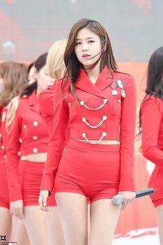 DATAOA — center of the universe // do not edit Asian Cute, Cute Asian Girls, Beauty Full Girl, Stage Outfits, Sexy Jeans, Beautiful Asian Women, Asian Fashion, Kpop Girls, Korean Girl