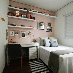Bedroom Decor For Small Rooms, Small Apartment Bedrooms, Room Decor Bedroom, Small Bedroom Layouts, Small Bedroom Designs, Small Room Interior, College Bedroom Decor, Minimalist Room, Home Room Design