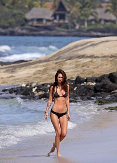 Megan Fox Photo - Megan Fox and Brian Austin Green at the Beach