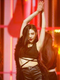 Red Velvet [Bad Boy] - Joy Seulgi, Kpop Girl Groups, Kpop Girls, Park Joy, Joy Rv, Red Valvet, Red Velvet Joy, Gone Girl, Stage Outfits