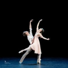 Anna Kuligina and Leonid Sarafanov in the duet from the ballet The Bronze Idol - Photo by Jack Devant