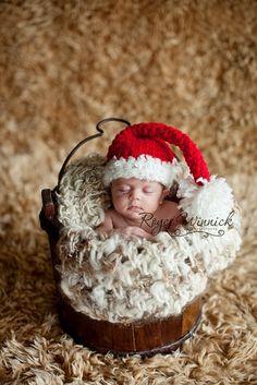 Santa's Hat Baby Boy or Baby Girl Christmas di BabiesBugsAndBees