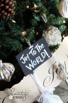 DIY Ornaments, Chalkboard Ornaments and A Giveaway! DIY Crafts
