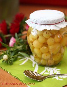 Compot de struguri... vanilat :: Bunatati de la Oana Cooking Recipes, Vegetables, Food, Canning, Chef Recipes, Essen, Vegetable Recipes, Meals, Eten