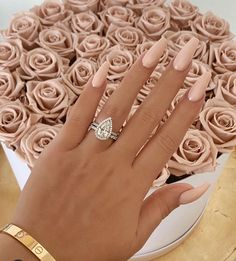 Amazing beige nails and roses - N . - Amazing beige nails and roses – Nails it ! Aycrlic Nails, Nude Nails, Swag Nails, Glitter Nails, Dark Nails, White Acrylic Nails With Glitter, Blush Nails, Light Nails, Brown Nails