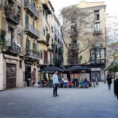 Hidden squares in Barcelona are real gems. #beautifulplaces #beautifuldestinations #travel #square #barcelona #placa #travelspain #architecture #architecturelovers #travelourplanet