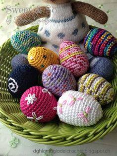 He hecho mis primeros Huevitos Pascueros, y es que siempre compraba esos de plástico para pintarlos con plumones, y también los frescos pa...