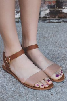 When spur of the moment weekend adventures pop up just go with the flow and throw on our Laid Back Sandals for the optimal touch to your outfit. They are a pair of faux leather, flat sandals. They feature an ankle strap and contrasting toe strap. Women's Shoes, Cute Shoes, Me Too Shoes, Shoe Boots, Golf Shoes, Sports Shoes, Sport Sandals, Flat Sandals, Flats