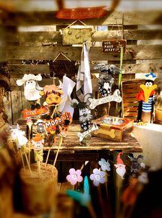 Die Rindenviecher – Holzkunst aus dem Norden Galloway, Cake, Desserts, Food, Fall Halloween, Happy Easter, Cow, Easter Bunny, Kuchen