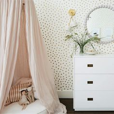 KIDS BEDROOM: A textural feast for any lucky little girl, of spotted wallpaper, glamorous blush pink velvet and Nordic inspired tones. Modern Luxury Bedroom, Luxury Bedroom Design, Luxurious Bedrooms, Girls Bedroom Wallpaper, Spotted Wallpaper, Nordic Bedroom, Buy Wallpaper Online, Kids Bedroom Designs, Girl Room