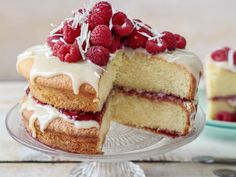White Chocolate and Raspberry Cake Recipe White Chocolate Raspberry Cake, Best White Chocolate, Odlums Recipes, Cake Oven, Chocolate Curls, Baking Tins, Yummy Cakes, Desserts, Food