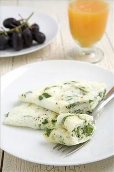 Egg White Omelet with Spinach & Mozzarella.  Try Eggland's Best NEW 100% Liquid Egg Whites http://egglandsbest.com/egg-products/liquid-egg-whites.aspx!  #breakfast #recipe