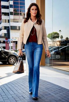 caitlyn jenner outfits 50+ best outfits Kardashian Girls, Kardashian Jenner, Kendall Jenner, Jenner Family, Celebrity Hairstyles, Celebrity Style, Cool Outfits, Clothes For Women, Celebrities