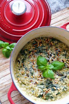 Risotto met spinazie en pesto - Focus on Foodies Go Veggie, Veggie Recipes, Real Food Recipes, Vegetarian Recipes, Healthy Recipes, Healthy Food, Paleo Food, Feel Good Food, Love Food