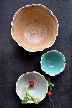 nesting bowl set by Lee Wolfe (One Clay Bead) http://www.etsy.com/shop/OneClayBead http://thebeautyyoulove.blogspot.com/ #kitchenware #ceramics