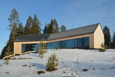 Image 12 of 30 from gallery of House Y / Arkkitehtitoimisto Teemu Pirinen. Photograph by Marc Goodwin Facade Design, Exterior Design, Weekend House, Contemporary House Plans, Container House Design, Forest House, Dream Home Design, New Home Designs, House Roof