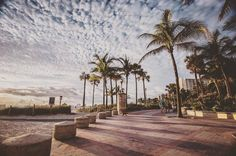 Miami Morning Vibes!! Photo by Hajtography . @hajjjyhajhaj  #hajtography #photography #canon #6d #lseries #palms #sunrise #shoot2kill #illgrammers #igvisualcaptures #lenslab #fatalframes #moodygrams #artofvisuals #gramslayers #agameoftones #miami #southbeach #clouds #cloudporn #georgesfeatures #luckystraps #beachlife #flickocity — at South Beach Miami.