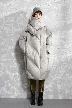fall coats for women chic Clothing Photography, Schneider, Down Coat, Outerwear Women, Autumn Winter Fashion, Fall Fashion, Coats For Women, Korean Fashion, Winter Outfits