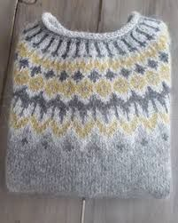 Bilderesultat for islandsgenser Sweater Knitting Patterns, Knitting Designs, Knitting Projects, Crochet Patterns, Fair Isle Knitting, Hand Knitting, Pull Jacquard, Norwegian Knitting, Icelandic Sweaters