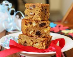 Eggless christmas fruit cake recipe with video & photos. Soft, moist, flavorful &delicious fruit cake made without egg. A beginners' recipe to try! Indian Fruit Cake Recipe, Eggless Fruit Cake Recipe, Eggless Desserts, Eggless Baking, Delicious Cake Recipes, Cake Mix Recipes, Delicious Fruit, Yummy Cakes, Baking Recipes