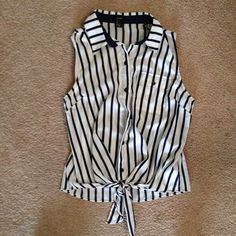 Forever 21 navy blue striped nautical pinup top Never worn like new! Forever 21 Tops Button Down Shirts