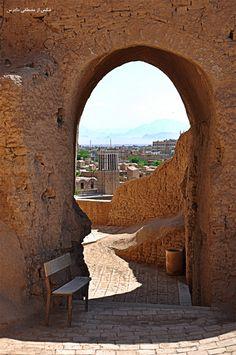 نمایی از داخل نارین قلعه میبد