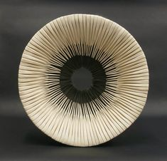 Alberto Bustos Creates Delicate Grass Sculptures Made of Ceramic Alberto Bustos modern contemporary minimalist japan style ceramic art bowl Ceramic Clay, Ceramic Plates, Ceramic Pottery, Sculptures Céramiques, Sculpture Art, Sculpture Ideas, Minimalist Japan, Modern Minimalist, Contemporary Ceramics