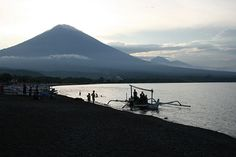 Amed is famous for its beaches, lined with traditional outrigger fishing boats. There is quite coarse black volcanic sand at Amed village beach. As you move further east (and away from Mount Agung), the beaches have softer sand and become more of a mid grey-brown in colour. The prettiest bays are probably those at Jemeluk and Lipah but the whole stretch of coastline is very attractive.