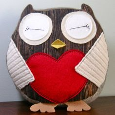 Redwood Lovers Hoot Owls Humboldt Plush Doll by buttercupbloom - going to try this. use felt, other fabric, old sweaters, and make the heart a pocket. Owl Crafts, Cute Crafts, Sewing Crafts, Sewing Projects, Craft Projects, Softies, Owl Pillow, Owl Always Love You, Cute Owl