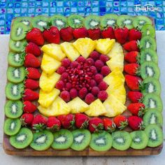 New fruit party platters snacks ideas Party Platters, Party Trays, Party Snacks, Party Desserts, Parties Food, Party Buffet, Fruits Decoration, Salad Decoration Ideas, Fruit Creations