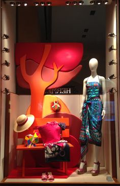 301 best women s clothing store displays images shop windows rh pinterest com