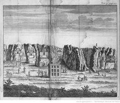[Tome 9. Pl. dépl. en reg. p.117 : la Montagne des Sépultures de Persépolis. Perse.] [cote : Réserve DS 257 C 47 1723 v1 à 10] | Jean Chardin | Gallica