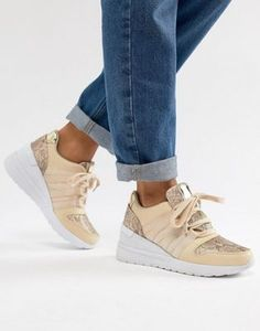 Shop the latest ASOS DESIGN Dismay wedge sneakers trends with ASOS! Free delivery and returns (Ts&Cs apply), order today! Wedge Sneakers Style, Wedge Shoes, Women's Sneakers, Brown Wedges Outfit, Black Wedges, Apple Shape Fashion, Closed Toe Espadrilles, Wedged Trainers, Womens Boots On Sale