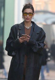 Fashion Tips Outfits .Fashion Tips Outfits Bella Hadid Outfits, Bella Hadid Style, Fashion 2020, Look Fashion, Winter Fashion, Woman Fashion, High Fashion, Hollywood Fashion, Classy Fashion