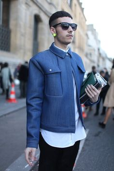 Pocket detail--Paris Fashion Week street style. [Photo by Kuba Dabrowski]