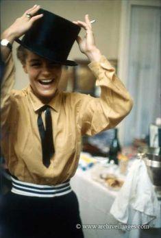 1963 color photograph of Romy Schneider wearing a top hat by Milton H Greene Romy Schneider, Sarah Biasini, Old Time Photos, Milton Greene, Debbie Reynolds, Raquel Welch, Alain Delon, Catherine Deneuve, Movies